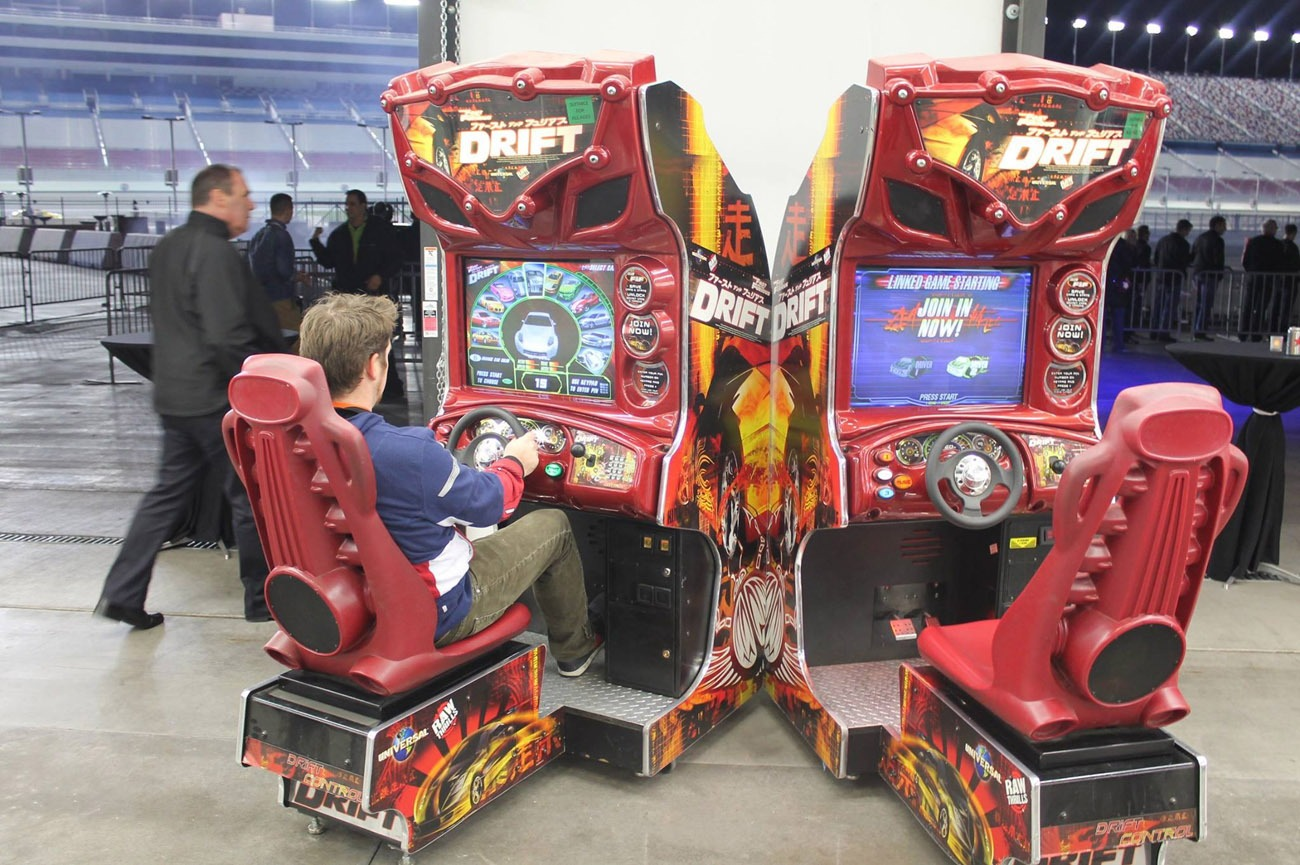Raw Thrills Fast and the Furious TOKYO DRIFT Arcade Racing ...