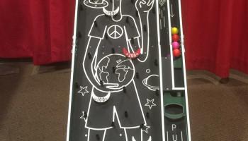 Alien Pinball Plinko Game