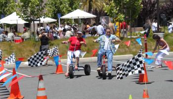 Wacky Tricycle Racing