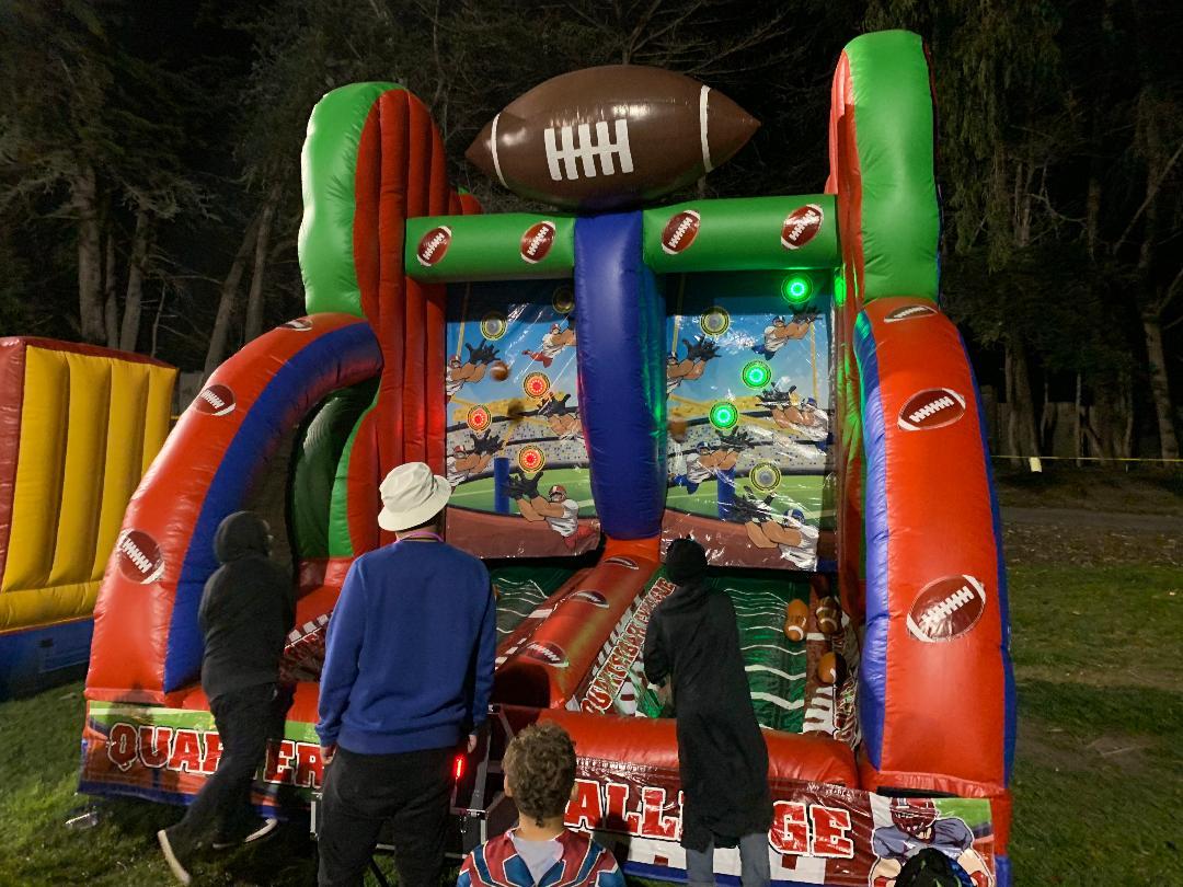 Football Quarterback Challenge Game