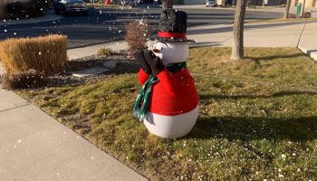 snowman holiday snow machine